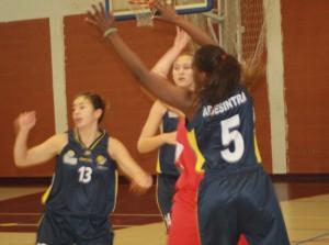 Basquetebol- Escola Maria Alberta Menéres vence ESA com facilidade para o Distrital de Juniores Femininos