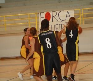 """Basquetebol- GD Escola Maria A. Menéres vence no Estoril e ganha vantagem no """"play-off"""" da 1.ª Divisão Feminina"""