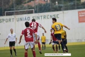 Futebol- Sintrense sobe à liderança da Série-III Divisão Nacional