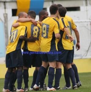 Futebol- Sintrense empata 1-1) no Barreiro e mantém liderança na III Divisão Nacional