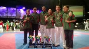 Dojo Samurai conquista três medalhas de ouro e duas de bronze no mundial de karate shukokai