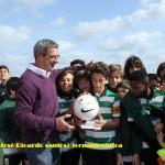 José Ricardo Santos entrega troféu de 1.º lugar ao capitão do SCVV