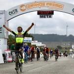 Luís Mendonça vence etapa e conquista a amarela