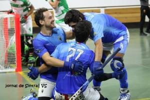 Equipa do HCSintra festeja mais um golo frente aos leões de Torres Vedras