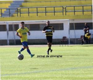 Futebol- 2.ª Divisão da AFL; Mem Martins SC bate Estoril Praia-B (1-0), e sobe ao 3.º lugar da Série 2
